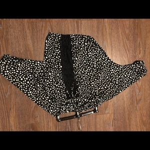 EXPRESS! black and white Polk-a-dot shirt!